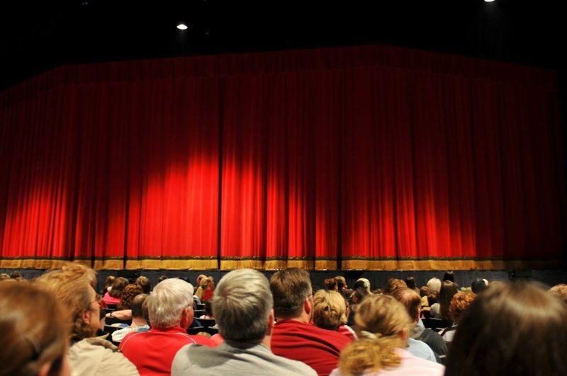 REGIONE LOMBARDIA: sostegno ai soggetti di produzione teatrale – anno 2021